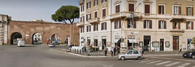Roma, uomo sgozzato a piazzale Appio: sul posto ritrovato il coltello