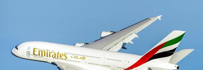Tre nuovi A380 per Emirates