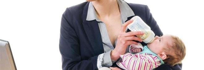 Non è un Paese per mamme lavoratrici: raddoppia il numero di donne che si dimettono dopo i figli