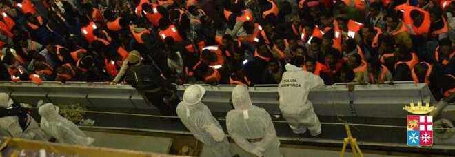 Migranti, business da un milione di euro a barcone