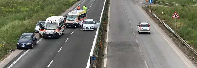 Aprilia, incidente sulla Pontina e strada chiusa, due i feriti