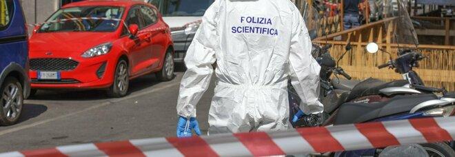 Roma, accoltellato alla schiena in piazza del Gazometro: morto un 26enne