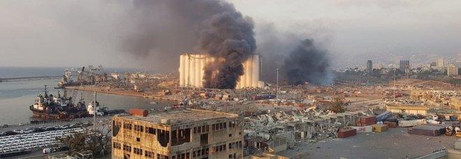 Conte a Beirut visita il cratere dell'esplosione. Poi a bordo della nave San Giusto