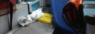Ragazzo di 18 anni muore in incidente, gli amici sequestrano un'ambulanza