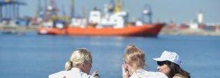 Migranti, Aquarius cerca un porto Roma, pressing sulla Libia