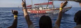 Open Arms diretta in Spagna «Salvini ci insulta, non ci fidiamo»
