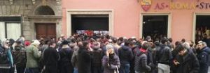 Roma-Barcellona, Olimpico sold out. File e terminali bloccati negli Store
