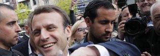 Bufera su Macron: un collaboratore picchiò manifestante coperto da casco forze dell'ordine
