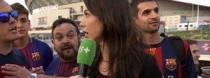 Molestata dai tifosi davanti allo stadio, l'inviata si ribella: «Non toccarmi di nuovo»