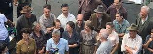George Clooney fa impazzire Sutri, Sgarbi gli regala un suo libro