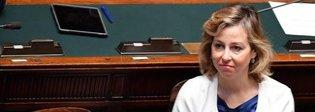 Giulia Grillo: aspetto un bimbo e lo farò vaccinare. Ma l'obbligo cambierà Video