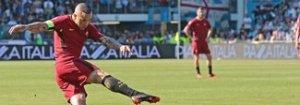 Roma, Nainggolan all'Inter per 24 milioni più Santon e Zaniolo. Tifosi infuriati: «State scherzando?»
