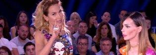 Nina Moric contro Malgioglio: «Non mi deve aiutare nessuno e del bacio di Luigi non me ne frega niente»