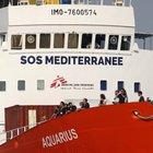 Aquarius, Barcellona offre il porto ma Madrid dice di no
