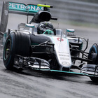 Nico Rosberg con la Mercedes all'Hungaroring