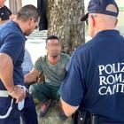 Roma, controlli antiabusivismo: i vigili sequestrano 10 mila articoli