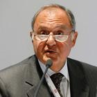 Il ministro Savona indagato a Campobasso: usura