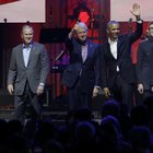 Obama, i due Bush, Clinton e Carter: tutti sullo stesso palco per beneficenza