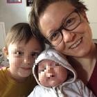 Tragico incidente sull'A8, donna muore per tentare di salvare le figlie