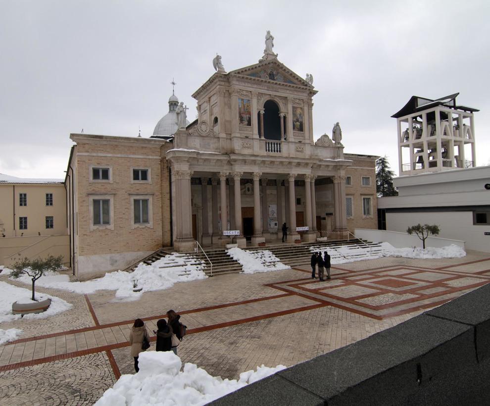 San Gabriele Lunedi I 100 Giorni Agli Esami Appello Dei Frati Niente Alcol E Droga